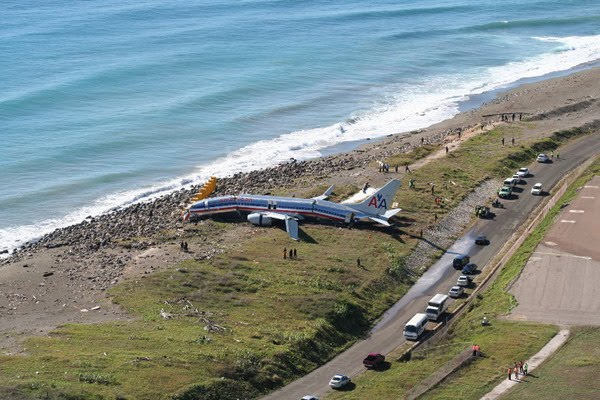 american airlines flight 331 crash lands in jamaica